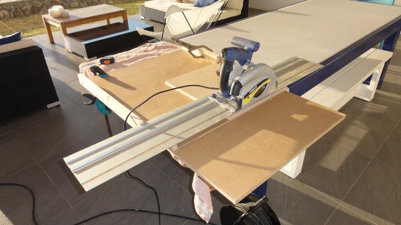 gabarit à couper d'équerre pour scie plongeante (facile à faire) Dsc00713