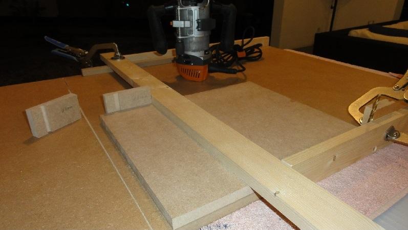 gabarit à couper d'équerre pour scie plongeante (facile à faire) Dsc00719