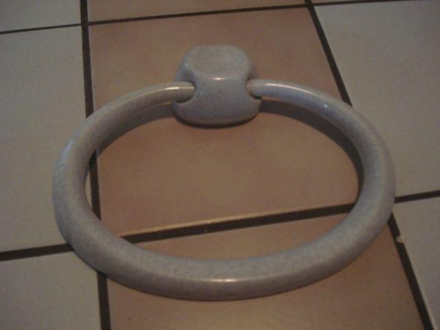 Porte serviette (pour salle de bain) Porte-11