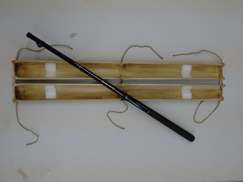 Etui rigide en bambou Img_2013
