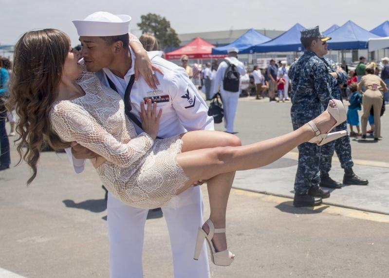 US Navy : les dernières news - Page 7 15060411