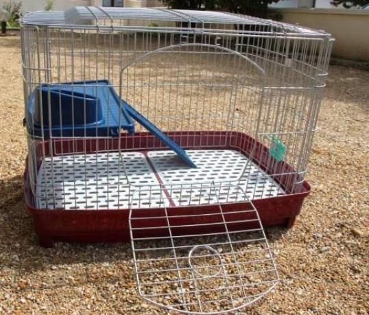 Urgent cage écart barreau... Image11