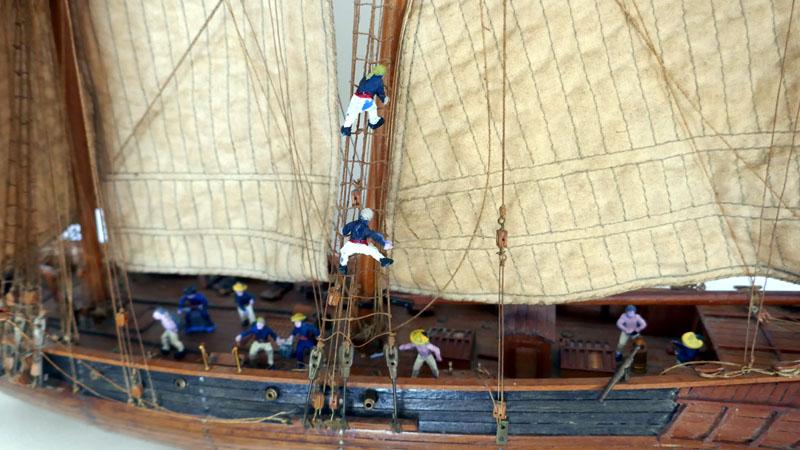 LA TOULONNAISE, goelette de 1823 au 1/75 par parellum, sous voiles, et photos Musée de la Marine - Page 3 310