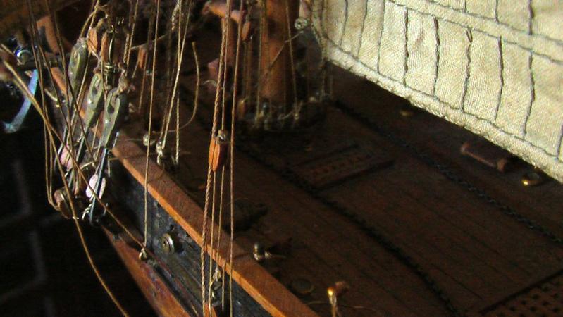 LA TOULONNAISE, goelette de 1823 au 1/75 par parellum, sous voiles, et photos Musée de la Marine Imga0020