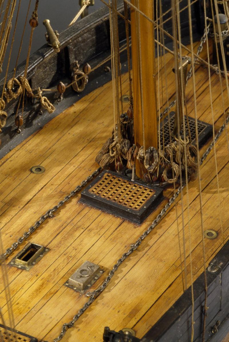 LA TOULONNAISE, goelette de 1823 au 1/75 par parellum, sous voiles, et photos Musée de la Marine - Page 3 M5026_12
