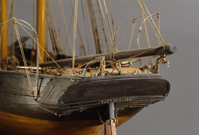 LA TOULONNAISE, goelette de 1823 au 1/75 par parellum, sous voiles, et photos Musée de la Marine - Page 3 M5026_13