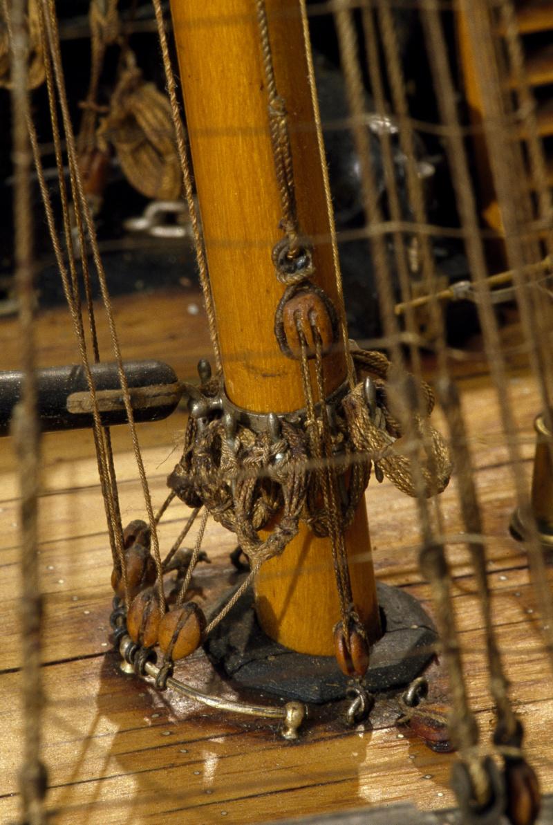 LA TOULONNAISE, goelette de 1823 au 1/75 par parellum, sous voiles, et photos Musée de la Marine - Page 3 M5026_14