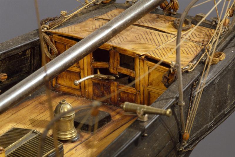 LA TOULONNAISE, goelette de 1823 au 1/75 par parellum, sous voiles, et photos Musée de la Marine - Page 3 M5026_19