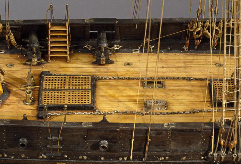 LA TOULONNAISE, goelette de 1823 au 1/75 par parellum, sous voiles, et photos Musée de la Marine - Page 3 M5026_21
