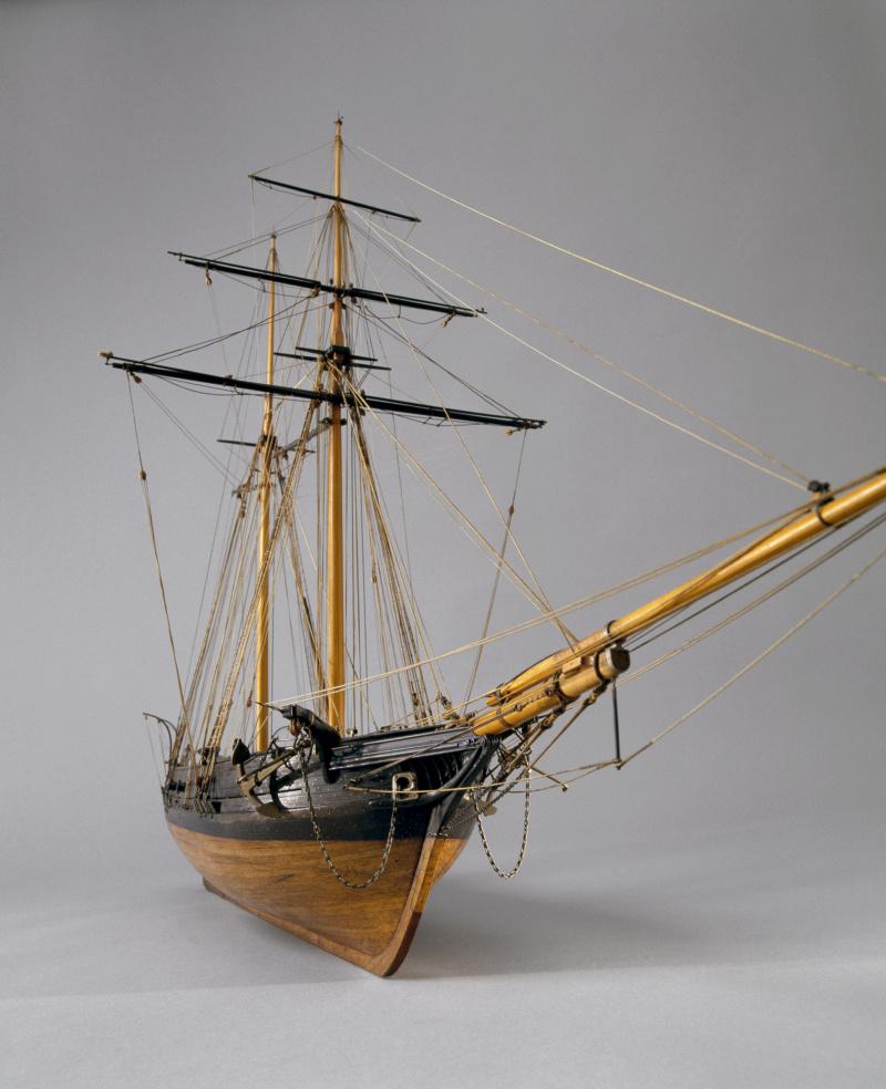 LA TOULONNAISE, goelette de 1823 au 1/75 par parellum, sous voiles, et photos Musée de la Marine - Page 3 M5026_24