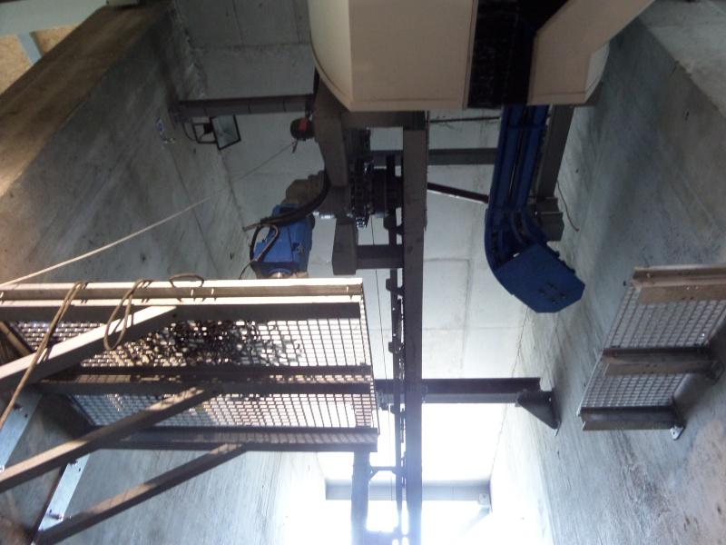 Télécabine à attache débrayable 10 places (TCD10) de Planpraz Sam_0515
