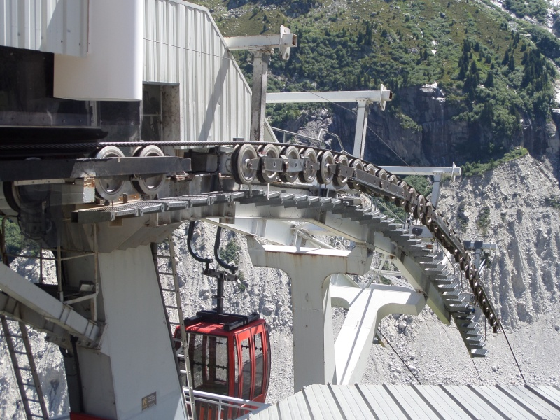 Télécabine pulsée 13 places (TCP 13) de la Mer de Glace Sam_0535
