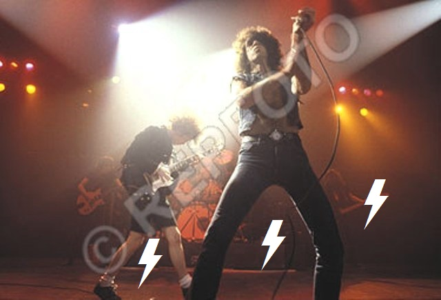 1979 / 11 / 05 - UK, Liverpool, The empire 1712