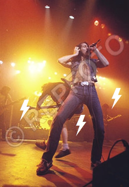 1979 / 11 / 05 - UK, Liverpool, The empire 1811