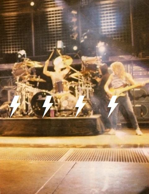 1991 / 08 / 17 - UK, Donington, Castle park 210