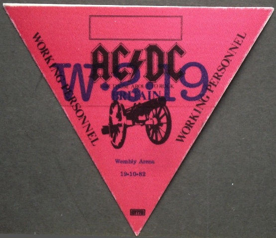 """1981 / 1982 - For those about to rock """"World Tour"""" 426"""