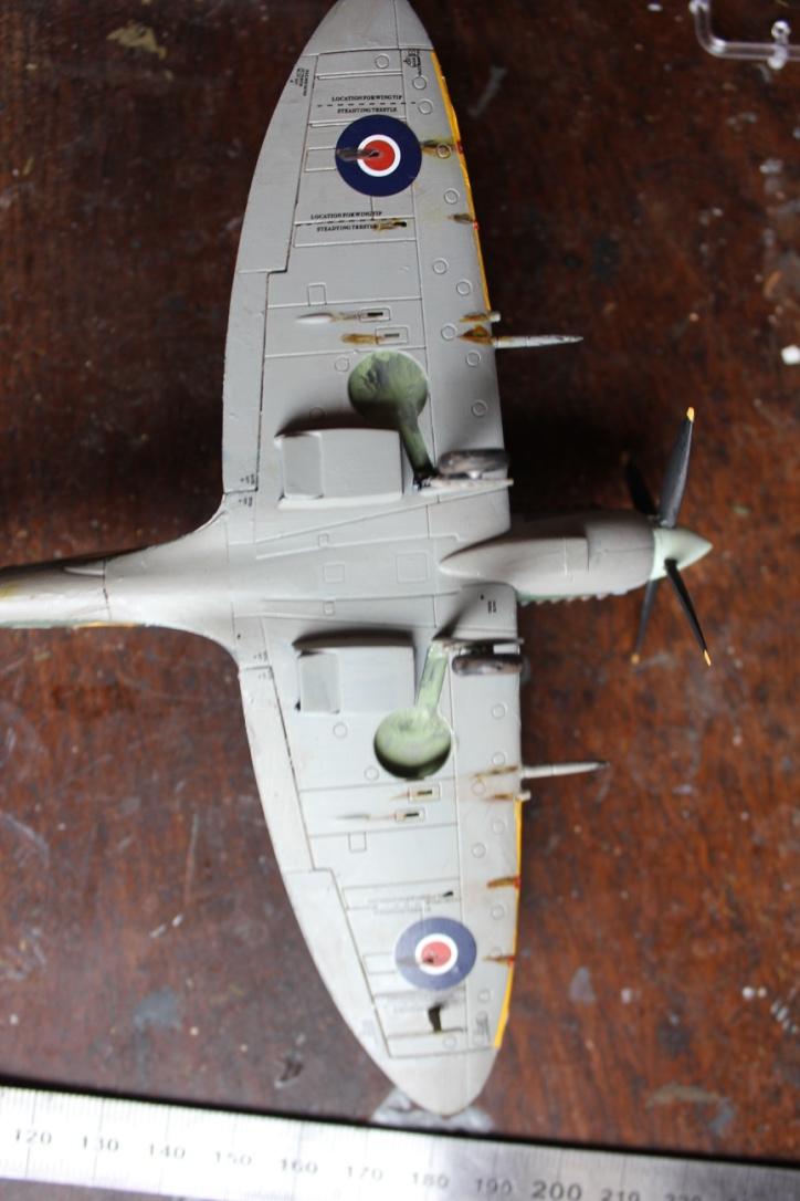 [Airfix] Supermarine Spitfire Mk.IXc 1/72° Thumb166