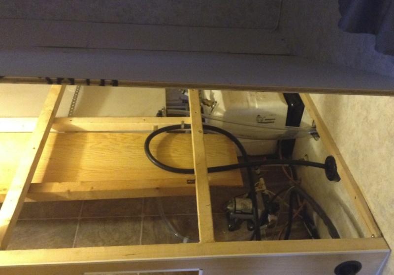 Max 21, sous le lit, Rangement du cable 30 amp. Chcabl15