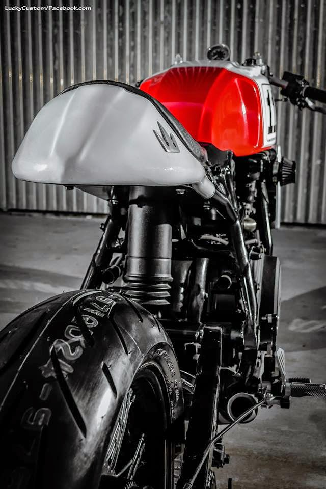 VF 750 Shaka garage  9210