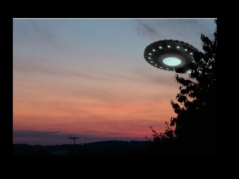 « Les extraterrestres ont empêché une guerre nucléaire », clame le 6e homme envoyé sur la Lune Sans_646