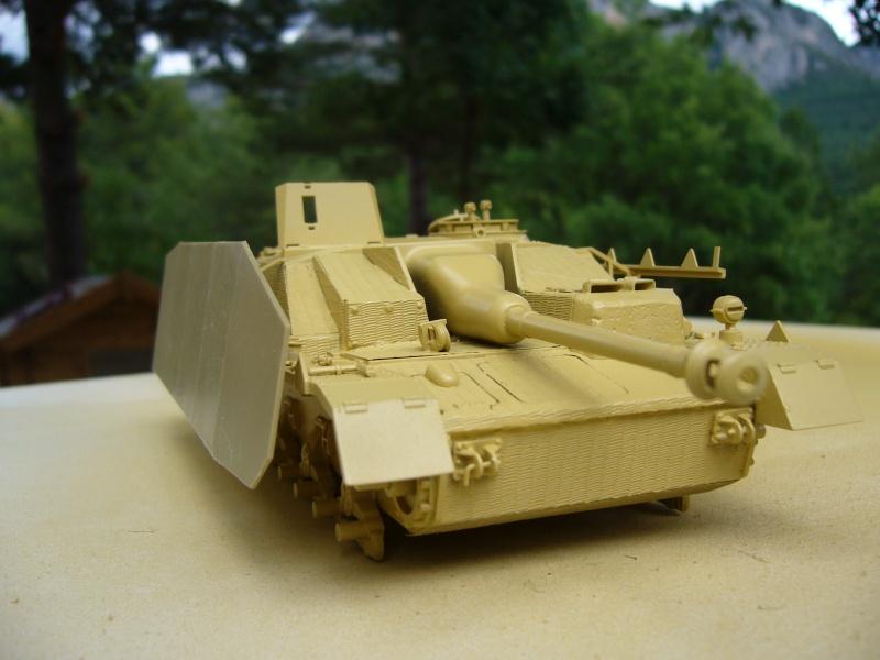 Sd.Kfz. 163 Sturmgeschütz IV Tamiya + chenilles Tamiya + Zimmerit Eduard +canon RB Model - 1/35 - Page 4 P1020520