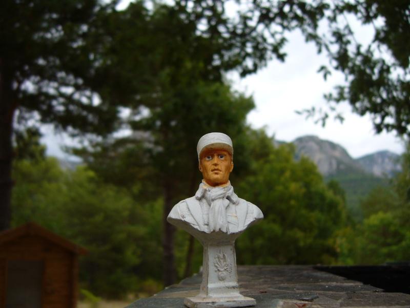 Buste légionnaire français 60 mm, marque inconnue en résine, qualité médiocre..... P1020834