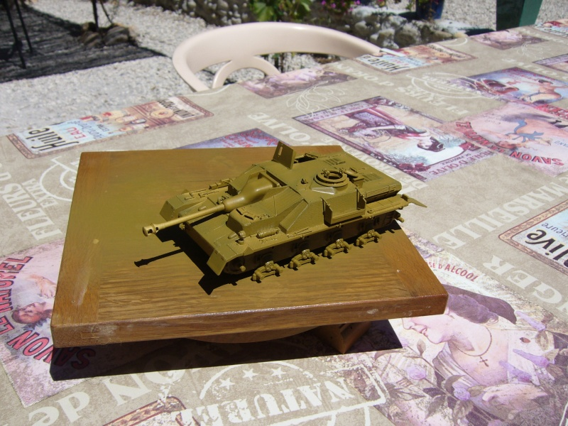 Sd.Kfz. 163 Sturmgeschütz IV Tamiya + chenilles Tamiya + Zimmerit Eduard +canon RB Model - 1/35 - Page 5 P1020911