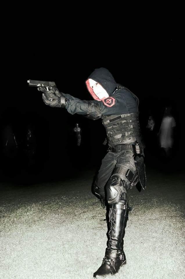 Photos of last Halloween's Quinlan/Vaun cosplay Receiv11