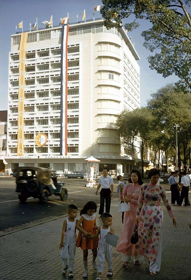 Saigon 1961 15406410