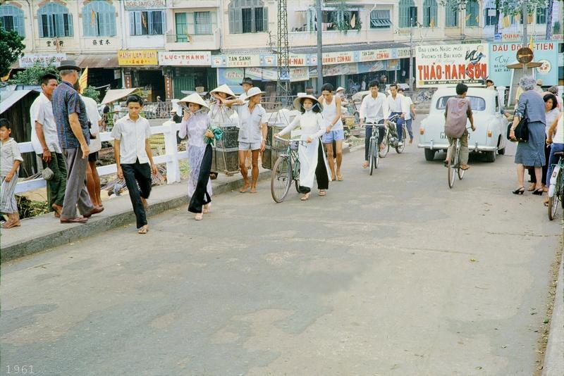 Saigon 1961 16649410