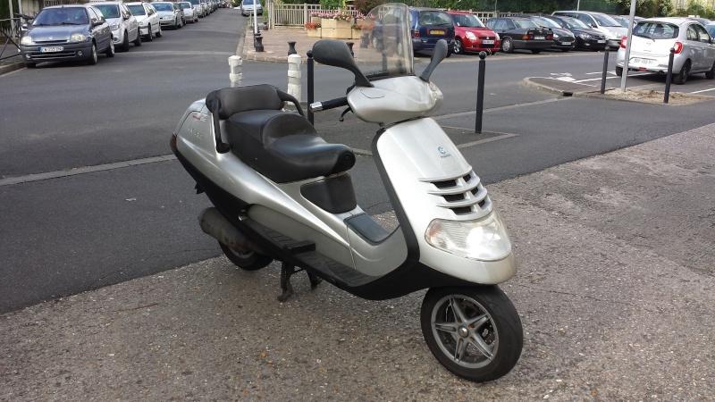 Mon 2e maxi-scoot PIAGGIO HEXAGON LX 125 20150614