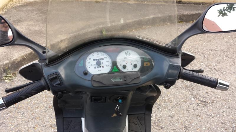 Mon 2e maxi-scoot PIAGGIO HEXAGON LX 125 20150616