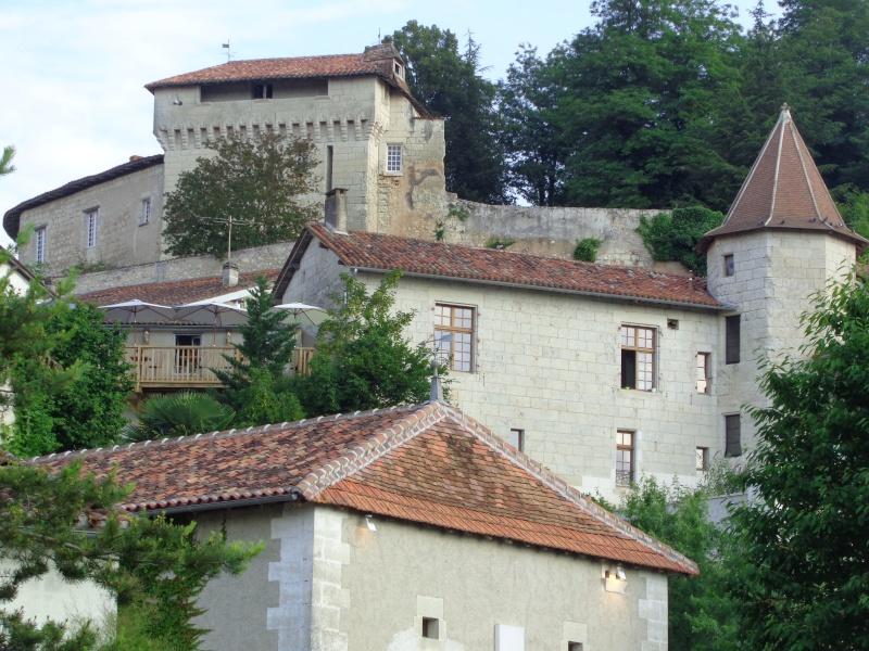Charente (16) Aubeterre sur Dronne Dsc01514