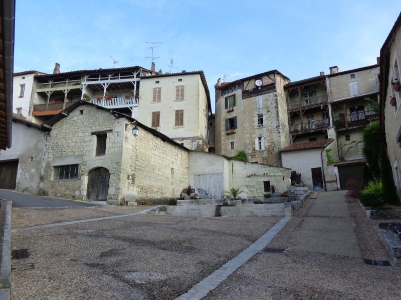Charente (16) Aubeterre sur Dronne Dsc01525
