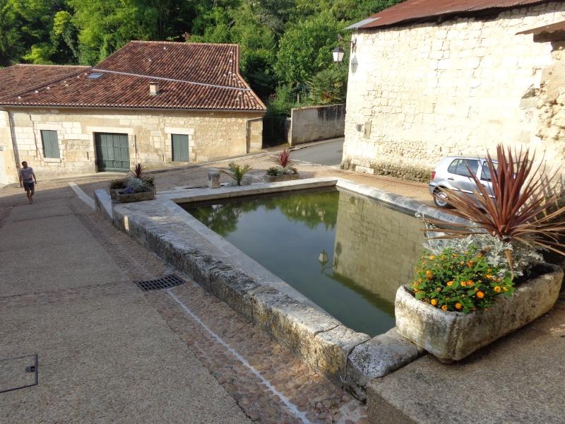 Charente (16) Aubeterre sur Dronne Dsc01528