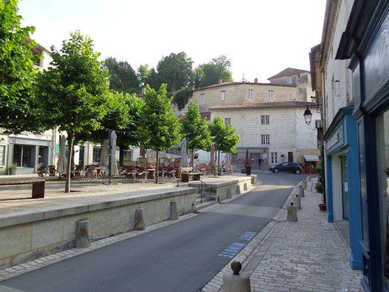 Charente (16) Aubeterre sur Dronne Dsc01529