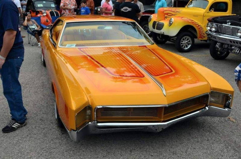 1966 Buick Riviera - Bouvardo gold - Los Boulevardos CC 10995412