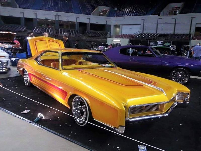 1966 Buick Riviera - Bouvardo gold - Los Boulevardos CC 11150310