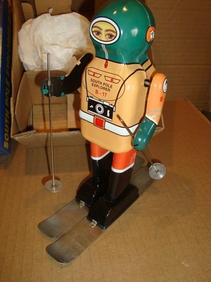 Robots jouets vintages - vintage robot toys C5bcc910