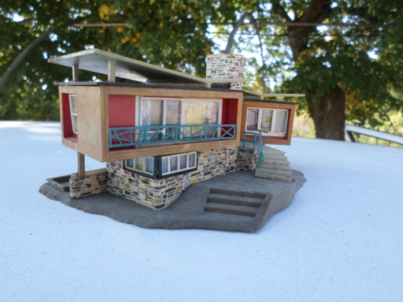 fifties ville in ho - décors de train de style mid century modern - Vintage HO and OO plastic toy train building  Sam_3731