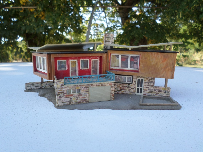 fifties ville in ho - décors de train de style mid century modern - Vintage HO and OO plastic toy train building  Sam_3734