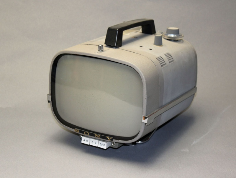 Téloches.... Vintage televisions - 1940s 1950s and 1960s tv - Page 4 Tvjapa10