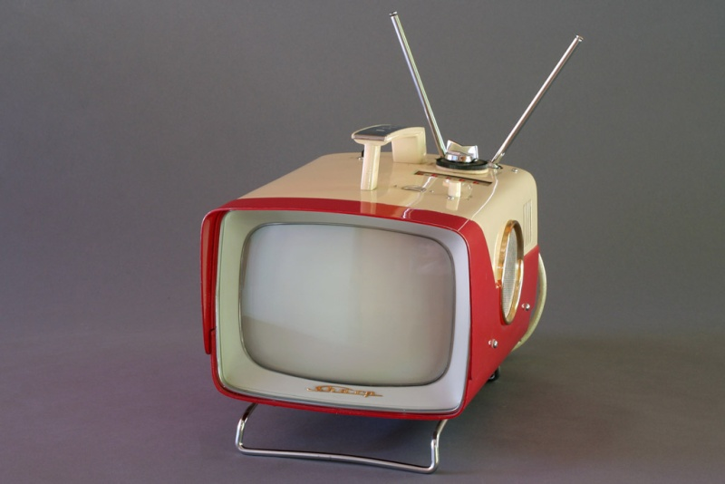 Téloches.... Vintage televisions - 1940s 1950s and 1960s tv - Page 4 Tvjapa11