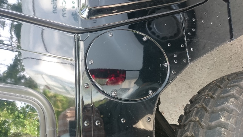 Bouchon de réservoir sur hummer H1 Dsc_0015