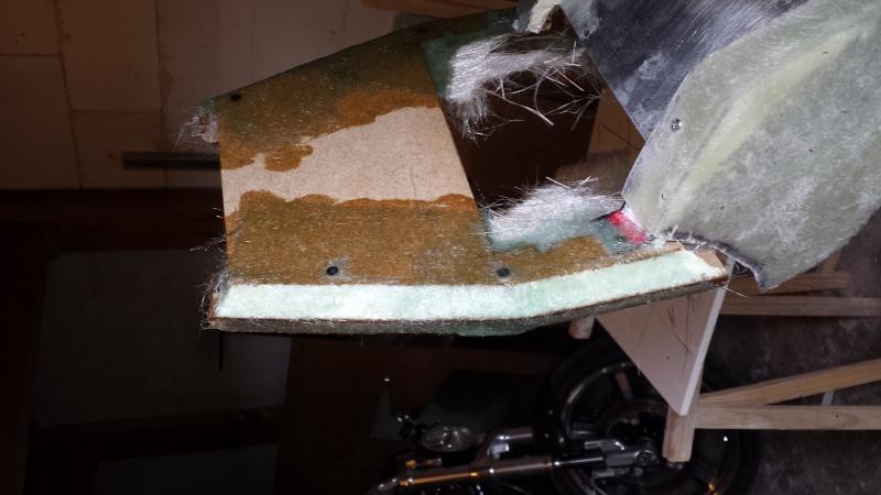 création d'une pièce de carrosserie en fibre de verre 20150417