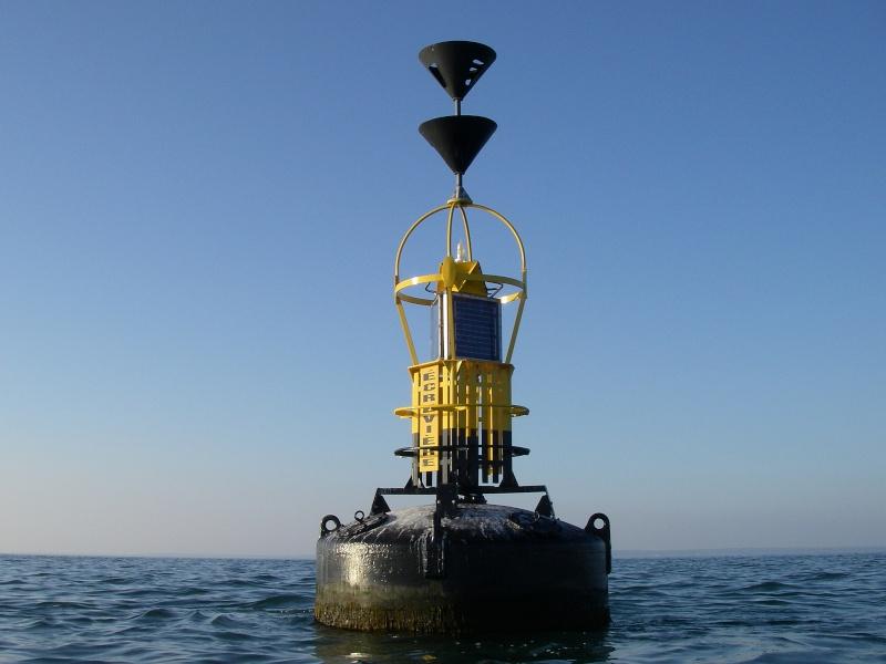 Les incroyables maisonnettes en pleine mer sur les îlots des Écréhou. Imgp0218