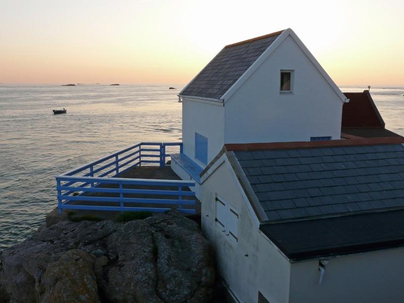 Les incroyables maisonnettes en pleine mer sur les îlots des Écréhou. - Page 3 P1470719
