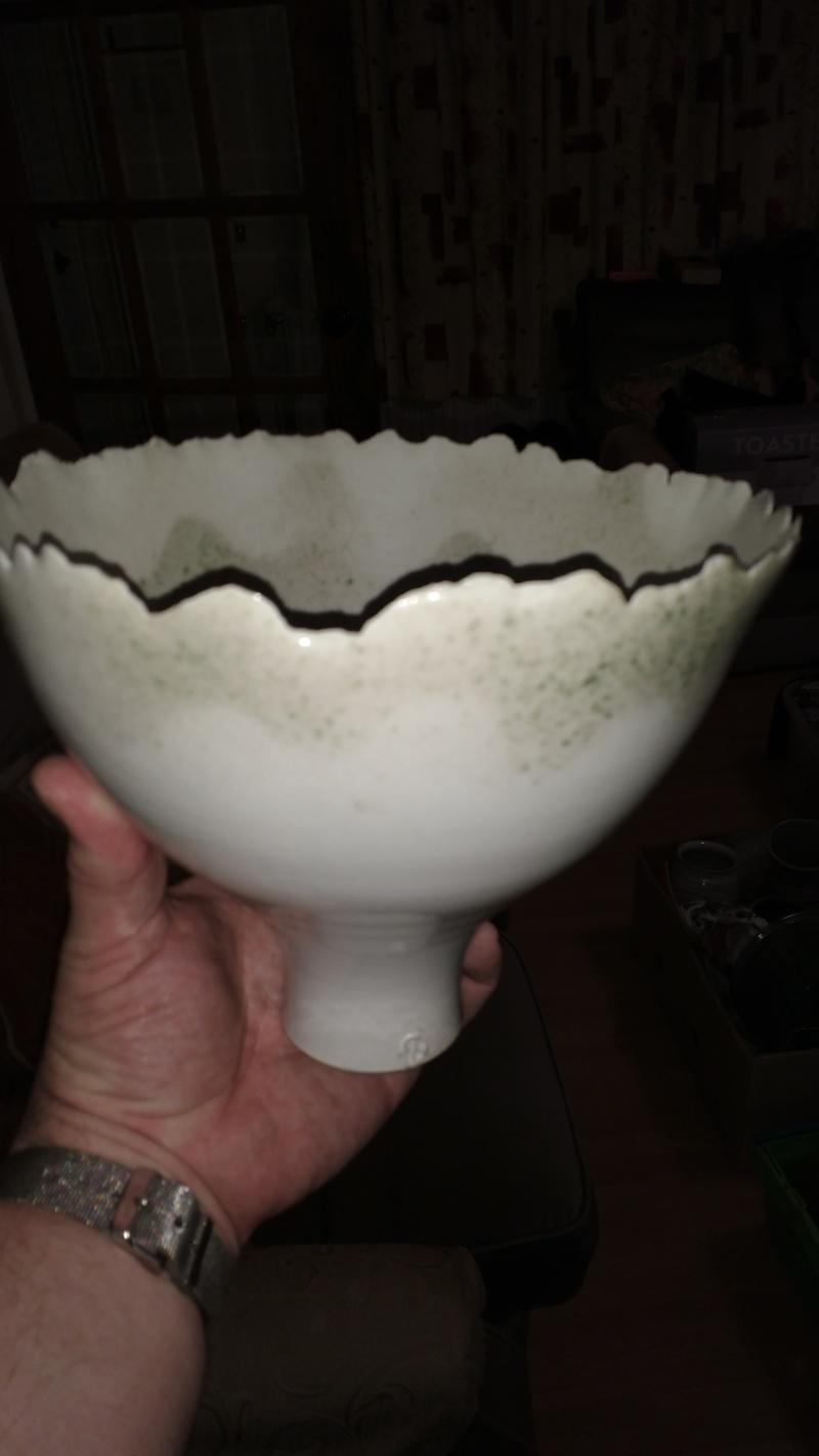 Quality studio vase/raised bowl  Img_2010