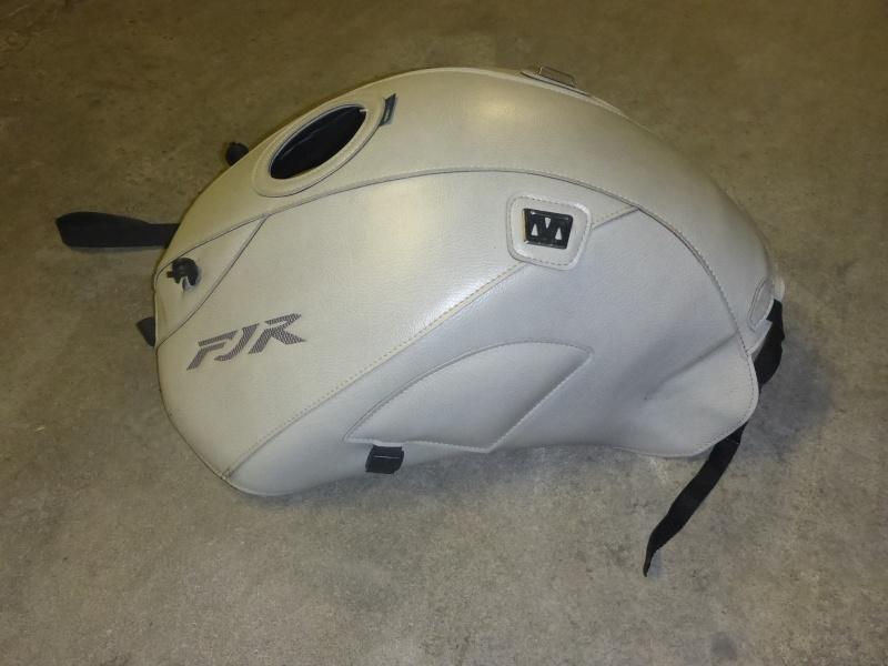 VENDS: accessoires pour FJR 1300 P1000931