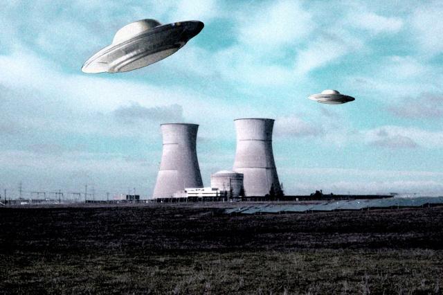 Les Survols de centrales nucléaires : OVNIs ou drones? Paris211